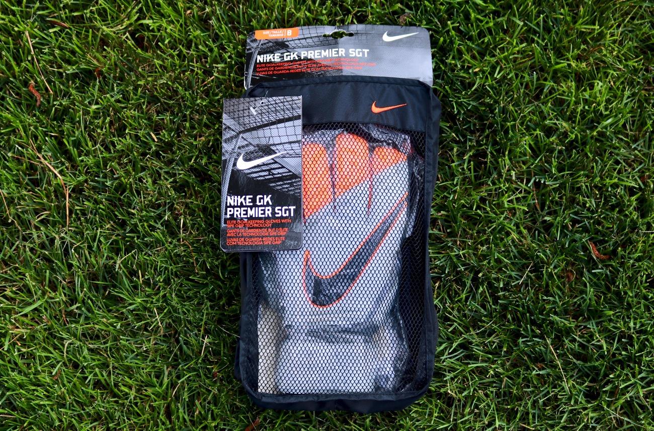 nike gk premier SGT goalkeeper glove review goalie glove review nike gloves Joe hart